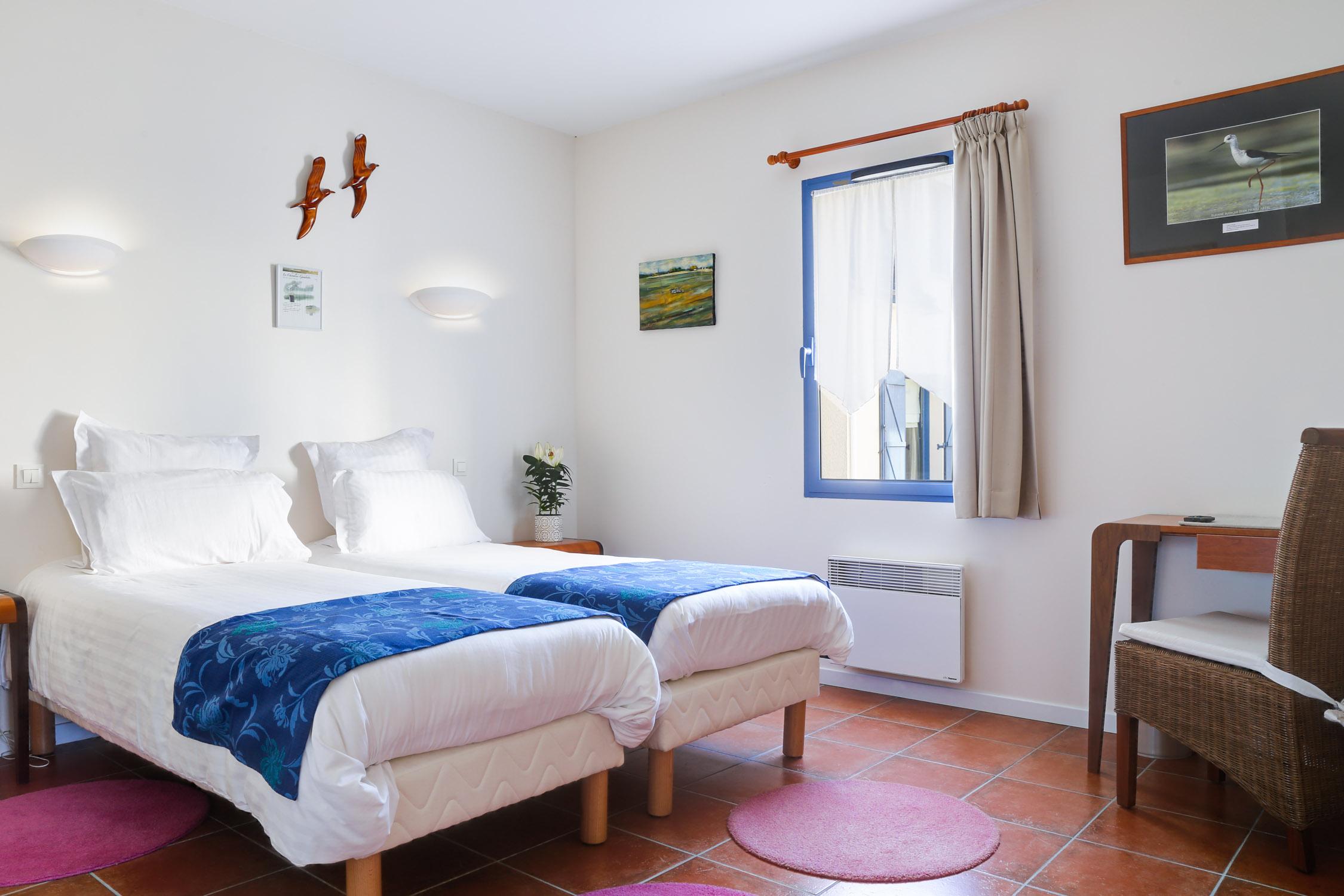 Chambre tout confort standard hotel chevalier gambette - Humidifier l air d une chambre ...