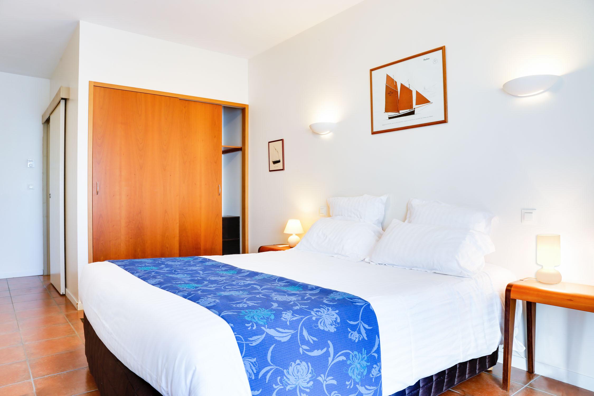 L h tel en vid o hotel chevalier gambette - Humidifier l air d une chambre ...