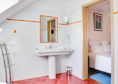 Chambre supérieure-salle de bain_1