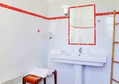 chambre classique salle de bain_1